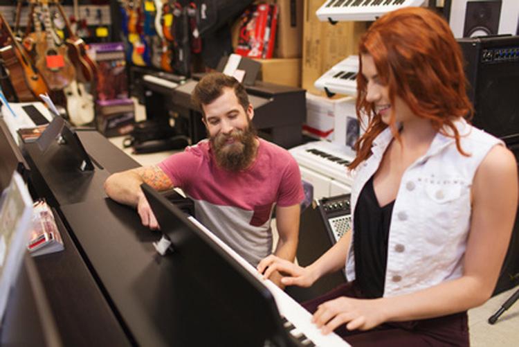 was du beim kauf gebrauchter klaviere beachten musst klavier kaufen. Black Bedroom Furniture Sets. Home Design Ideas